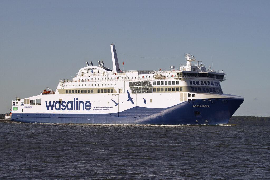 Das umweltfreundlichste Fährschiff der Welt Aurora Botnia von Wasaline fährt über den Kvarken