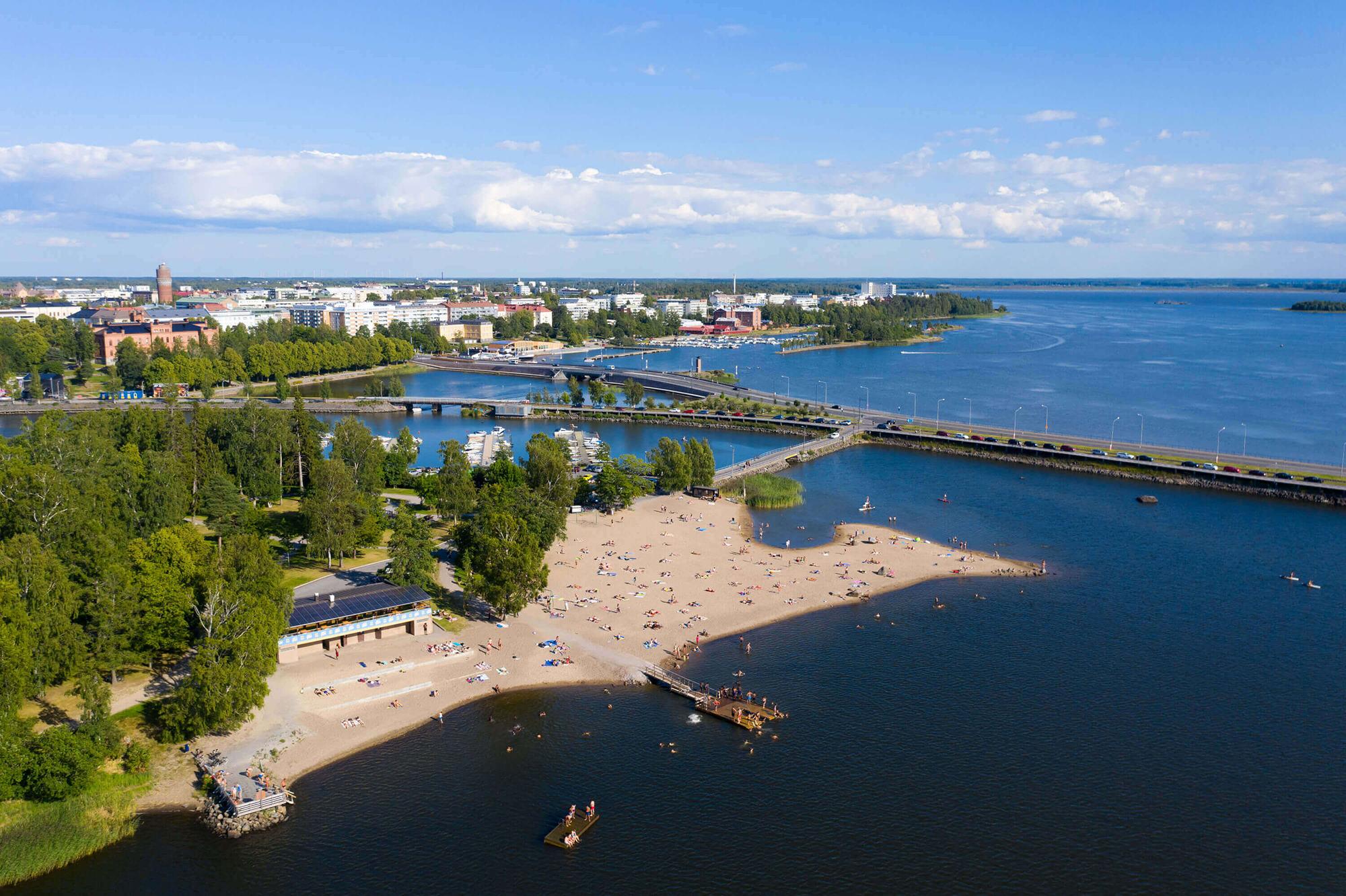 Die finnische Stadt Vaasa an der Kvarken Wasserstraße im Bottnischen Meerbusen